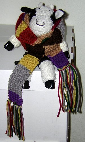 Bully in Doctor Who Scarf