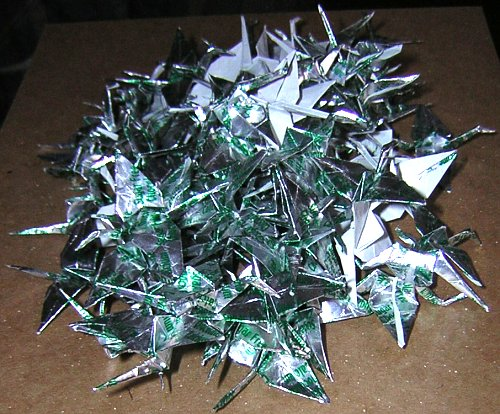 A pile of 100 cranes